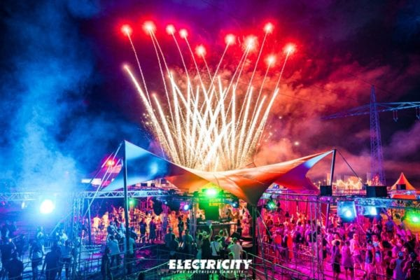 Electricity (c) Niclas Ruehl
